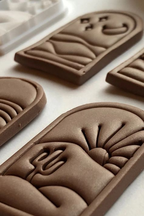 Ready to get started with polymer clay? Set of four 3D printed stamps with a desert scene are ready for you. Specifically made for polymer clay, the options are endless with this stamp