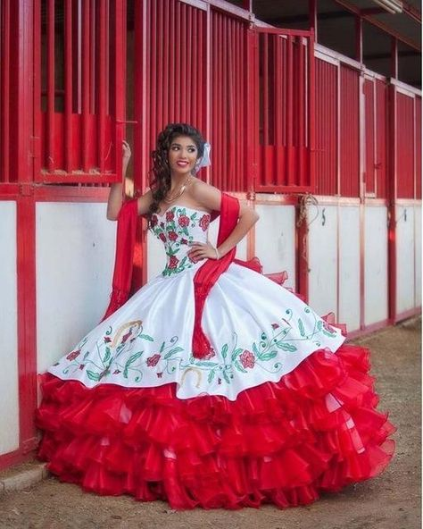 I found some amazing stuff, open it to learn more! Don't wait:http://m.dhgate.com/product/2016-gorgeous-white-and-red-quinceanera-dresses/374678434.html
