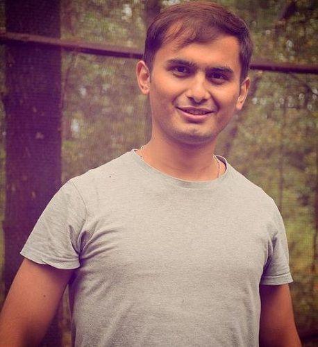 Sandesh Lamsal الطول العمر صديقة الأسرة السيرة الذاتية والمزيد Starsunfolded In 2021 Mens Tshirts Mens Tops Celebrities