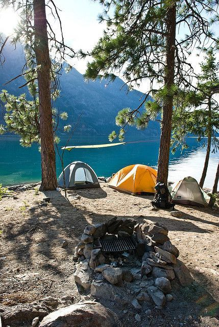 camping trip Lake Chelan - This is my new favorite summer camping spot!Lake Chelan - This is my new favorite summer camping spot! Camping Spots, Camping And Hiking, Camping Life, Family Camping, Winter Camping, Arkansas Camping, Oregon Camping, Camping Kitchen, Camping Packing