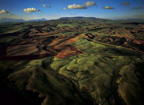 YannArthusBertrand2.org - Fond d écran gratuit à télécharger    Download free wallpaper - Vallée près de El Mahdia, wilaya de Sétif, Algérie (36°10' N - 5°15' E).