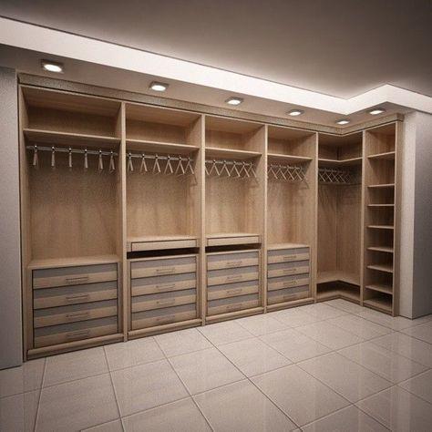 Conception de placard de chambre à coucher principale | Idées de placard en bois sombre moder...