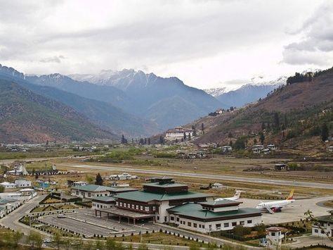 Paro International Airport Bhutan Amazing Runways Around The World Fear Of Flying Scared Of Flying Columbus Travel