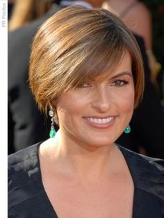 great short hair cuts for middle age square faced women - Google ...