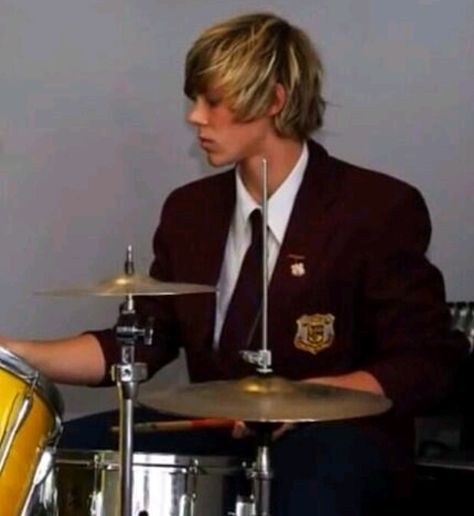 You can't just scroll past a fetus picture of Ashton playing the drums and not repin it.