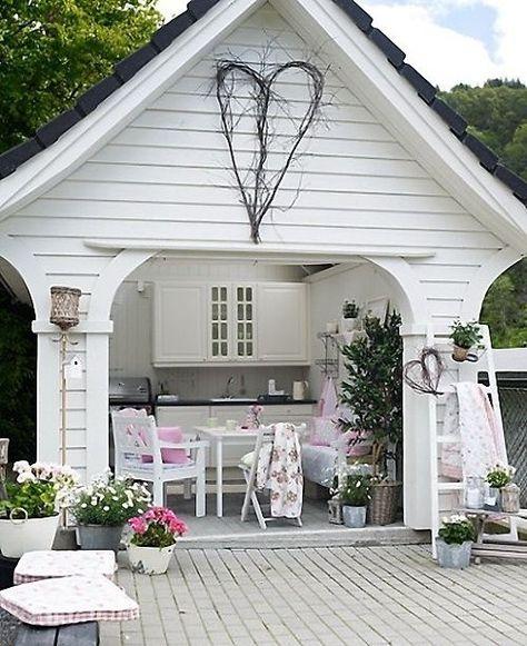 Gartenhaus in weiß