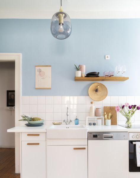 La Cuisine Bleu Ciel De Jessica Herber Avec Le Plafonnier En Laiton