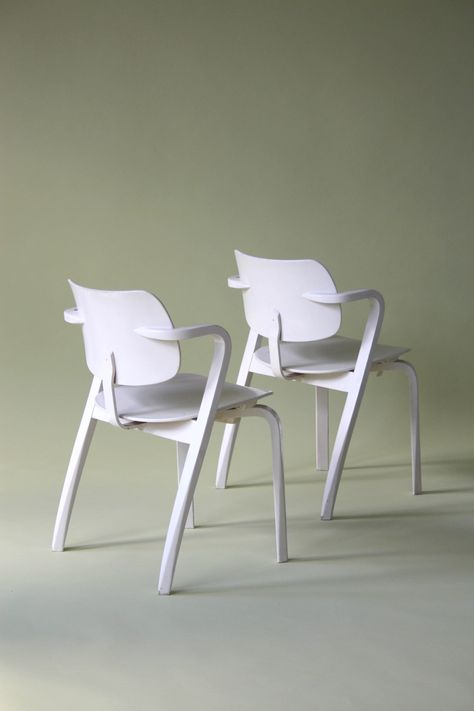 Incredible The Chairs Are A Variation Of The Domus Chair That Short Links Chair Design For Home Short Linksinfo