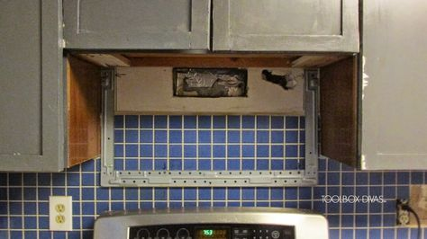 Tile Removal 101 Remove The Tile Backsplash Without Damaging The Drywall Remove Tile Backsplash Backsplash