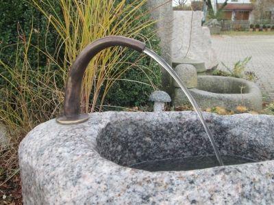 Rottenecker Brunnenauslauf Bronze Klein Grun Patiniert