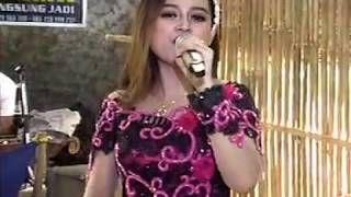 Lirik Lagu Yen Ing Tawang Ono Lintang Ono Women Ruffled