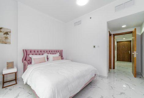 صور أدفع 47 ألف درهم واستلم شقة 3 غرف نوم وصالة على الخور في عجمان 4 Home Decor Home Furniture