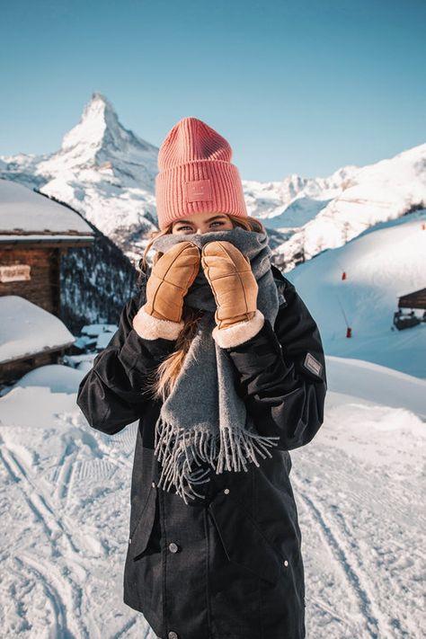 City to Snow: 11 Klamotten, die ich in der Schweiz getragen habe – Lion in the Wild – Winterbilder Winter Outfits For Teen Girls, Winter Fashion Outfits, Winter Snow Outfits, Snow Outfits For Women, Snow Fashion, Fall Photo Shoot Outfits, Shotting Photo, Wild Lion, Snow Pictures