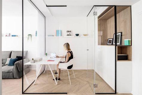 Des cloisons vitrées pour un bureau complètement ouvert sur le