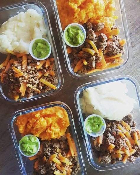 Almuerzo del día - carne molida magra con fajitas de zanahoria, servidas con pu... - ketodiet -  #Almuerzo #Carne #con