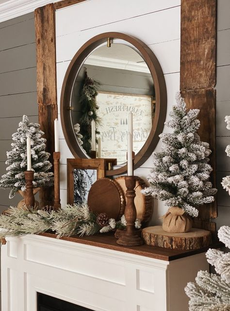 Christmas Mantels, Noel Christmas, Winter Christmas, Christmas Mantle Decorations, Winter Decorations, Christmas Nails, Christmas Stockings, Xmas, Winter Home Decor