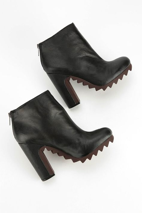 Circus By Sam Edelman Kensley Extreme Tread Leather Ankle Boot - Urban Outfitters