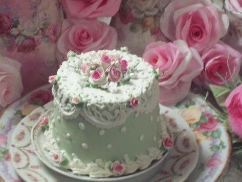(Swedish Rosa) FUNKY JUNK ROSE DECORATED FAKE CAKE