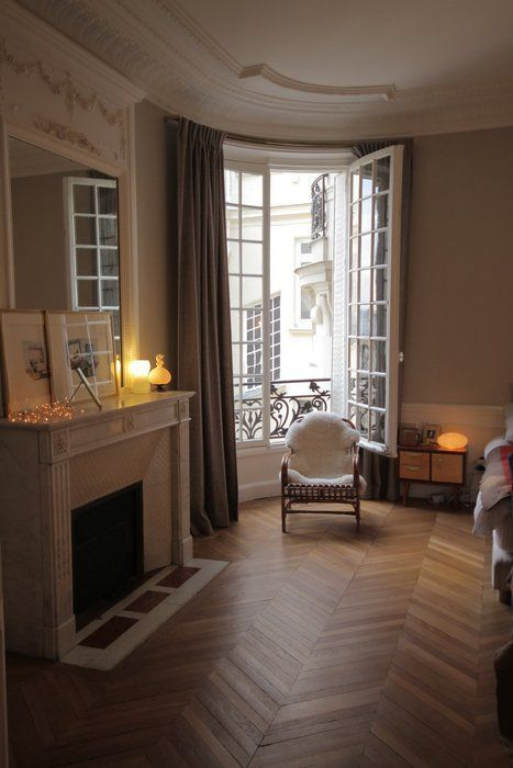 37 Comfort Home Decor To Rock This Spring In 2020 Paris Apartment Interiors Apartment Interior Appartment Decor
