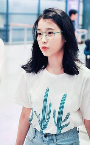 That Nerdy Girl Is A Hot Model [Completed] | dhdhxj | T