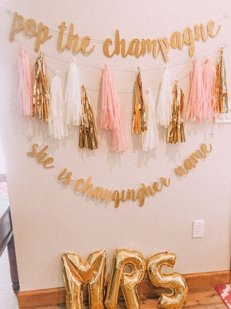 """6 Tips For Throwing A Bachelorette Party! 6 Tips For Throwing A Bachelorette Party! & """"Insta Worthy"""" Decor Tips For Throwing A Bachelorette Party! Disney Bachelorette, Bachlorette Party, Bachelorette Party Shirts, Bachelorette Party Decorations, Bachelorette Weekend, Hen Party Decorations, Bachelorette Slumber Parties, Bachelorette Party Checklist, Spa Birthday Parties"""