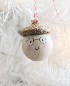 DIY - Acorn Topped Ornaments.