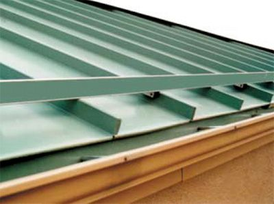Ice Guards For Metal Roofs In 2020 Metal Roof Image House Home Snow
