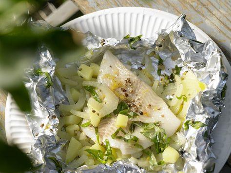 Heilbutt-Päckchen - mit Fenchel und Kartoffeln - smarter - Kalorien: 270 Kcal - Zeit: 30 Min. | eatsmarter.de Heilbutt ist ein köstlicher Fisch, findet Ihr nicht auch?