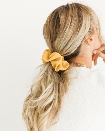 Totally Rad Hairstyles That'll Make You Glad Scrunchies Are Back |  Scrunchie hairstyles, Long hair styles, Headband hairstyles
