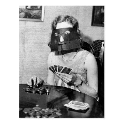 STRANGE WEIRD BIZARRE CREEPY CRAZY FREAKY Woman Unusual Gas Mask VINTAGE PIC