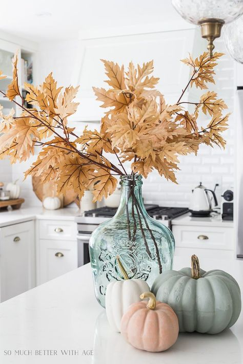 Ideas with Muted Fall Colors Decorating Ideas with Muted Fall Color. Ideas with Muted Fall Colors Decorating Ideas with Muted Fall Color. Decorating Ideas with Muted Fall Colors Thanksgiving Decorations, Seasonal Decor, Holiday Decor, Autumn Decorations, Thanksgiving Table, Vintage Thanksgiving, Thanksgiving Parties, Decoration Inspiration, Autumn Inspiration