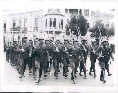 1941 Photo From A Newspaper Archives Showing Peruvian Soldiers On