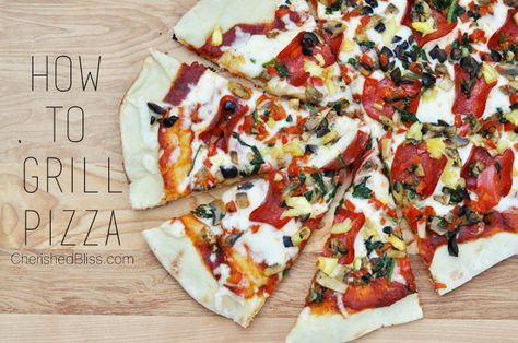 A simple tutorial for How to Grill Pizza. Have you tried this before? #pizza #grill