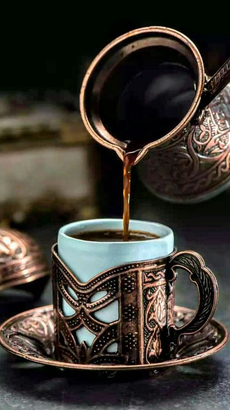 Chemex Coffee, Espresso Coffee, Coffee Cafe, Coffee Shop, Good Morning Coffee, Coffee Break, Fresh Roasted Coffee, Turkish Coffee, Arabic Coffee