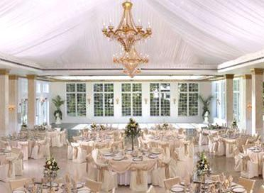 Illinois Wedding Venues On A Budget Affordable Chicago Wedding Venues In 2020 Chicago Wedding Venues Wedding Venue Chicago Suburbs Illinois Wedding Venues