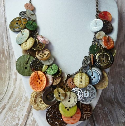 Bountiful Buttons – Vintage Button Necklace,Statement,AWARD WINNING,Green/Coral/Pearl/Ivory Buttons on Brass Chain,Repurposed – Make Jewelry Necklaces – Make Jewelry Do It Yourself Jewelry, Do It Yourself Fashion, Diy Buttons, Vintage Buttons, Vintage Rhinestone, Button Art, Button Crafts, Charm Armband, Vintage Jewelry