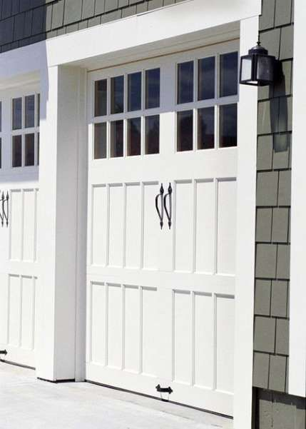 Super Traditional Garage Door Window 15 Ideas Garage Doors Garage Door Design Garage Door Styles