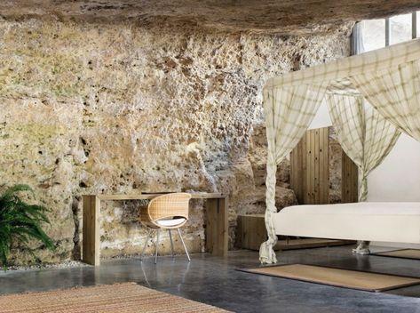 Naturstein Boden Und Wande Fur Ein Modernes Haus In Einer Echten