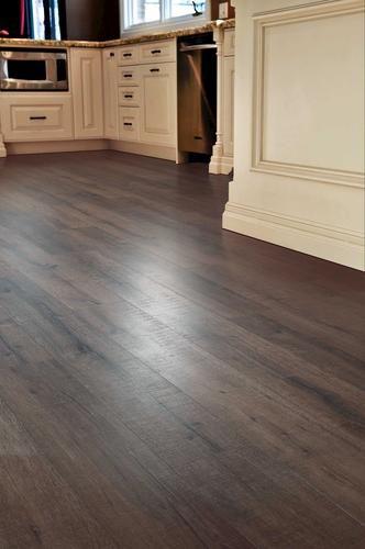 Cortland Laminate Flooring Chestnut 16 93 Sq Ft Ctn At Menards