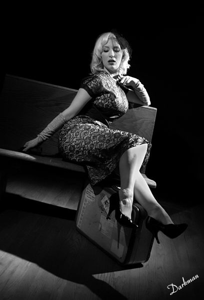 Hollywood lighting seated on bench | Hollywood Lighting Style | Pinterest | Film noir Vixen and Hollywood glamour  sc 1 st  Pinterest & Hollywood lighting seated on bench | Hollywood Lighting Style ... azcodes.com