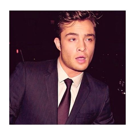 27 Times Life Was Better Because Ed Westwick Exists Mode Gossip Girl, Gossip Girl Chuck, Beautiful Boys, Gorgeous Men, Pretty Boys, Outfits Casual, Mode Outfits, Chuck Bass Ed Westwick, Im Chuck Bass