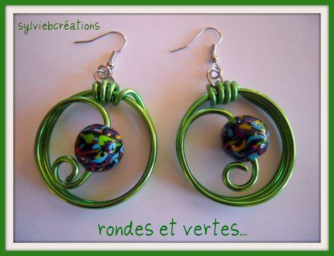 paire de boucles d'oreilles fantaisie, fimo et fil alu vert printemps
