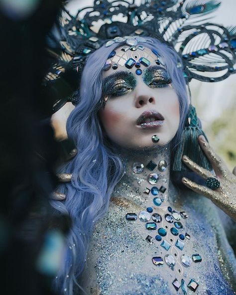 I'm A Self-Taught Artist Who Creates Wearable Art Pieces I'm Rachel Sigmon, a wearable art designer, and SFX makeup artist. I have been creating wearable arts and headpieces for the last 6 years. And doing makeup for