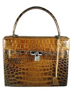 3832616dd8f3a Crocodile bag - by Cris Figueired♥