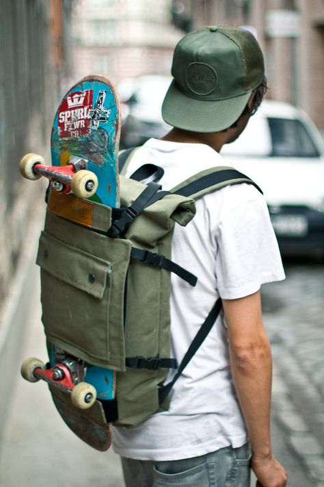 Today, slither clothing is consequently regularly occurring in sought after way of life, that'd it look like uses for every to put on. Skateboard Backpack, Skateboard Clothing, Skateboard Pictures, Skate Photos, Skateboard Design, Skateboard Girl, Top Backpacks, Skater Boys, Cool Skateboards