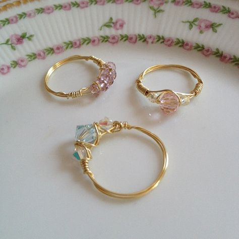Gold wire, pale pink crystal and and iridescent pale yellow crystal, stacking ring, holiday gifts, b Wire Jewelry Rings, Beaded Rings, Cute Jewelry, Crystal Jewelry, Diy Jewelry, Beaded Jewelry, Jewelry Accessories, Jewelry Making, Jewlery