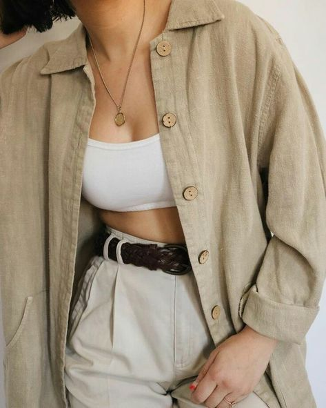 Vintage Linen Oversized Light Jacket with Wood Button Detailing - Jackets Mode Outfits, Fashion Outfits, Jackets Fashion, Fashion Weeks, Linen Jackets, Leather Jackets, Denim Jackets, Black Jackets, Outfit Vintage