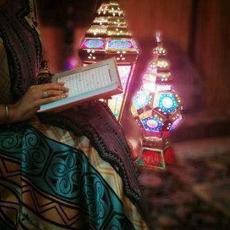 خلفيات بنات حاملة فانوس رمضان 2019 فوتوجرافر Ramadan Lantern Ramadan Kareem Decoration Ramadan Dp