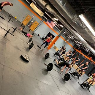 Yesterday's noon class crushing it!!! #t2crossfit #crossfit