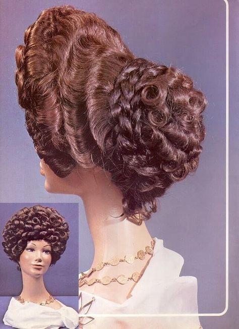Diferentes versiones peinados edad media Galería de tendencias de coloración del cabello - Edad media | Peinados antiguos, Peinados romanos y ...